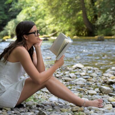 10 Benefits Of Reading: Why Should Everyone Read Everyday