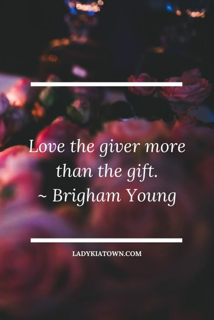 99+Best Christmas Quotes And Caption with image cards by ladykiatown